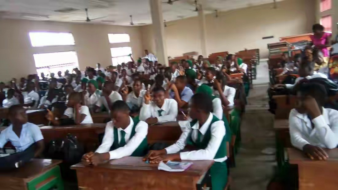 Abuja Parents Now Pay Extra Tuition To Have Their Kids Learn How To Speak British English